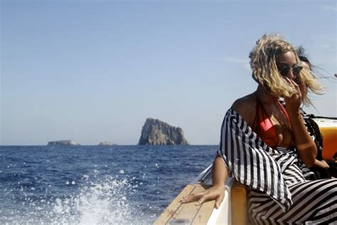 crazy vacation speed boat excursion beyonce s crazy extravagant