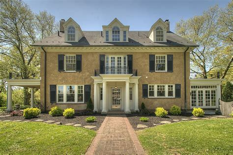 taylor swift parents house update taylor swift s childhood home in pa sells for