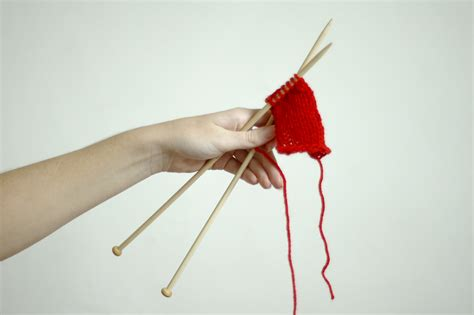 how to knit left handed cast on how to knit left handed 7 steps with pictures wikihow