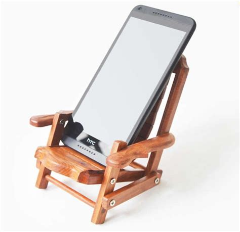 Wooden Beach Deck Chair Desk Mobile Phone Display Holder Desk Cell Phone Stand