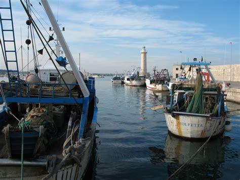 porto di molfetta bonifica porto di molfetta da parte di esercito italiano