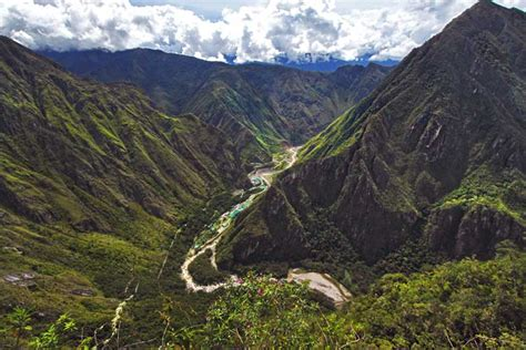 PHOTO: Sacred Valley leads to machu Picchu, Peru