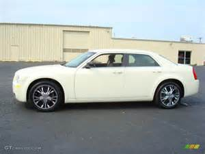 Chrysler 300 Paint Colors 2007 Cool Vanilla Chrysler 300 3326418 Gtcarlot