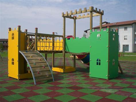 giochi da cortile per bambini progettazione parco area giochi per bambini