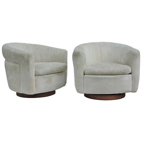Milo Baughman Swivel Chair by Milo Baughman Swivel Chairs For Thayer Coggin At 1stdibs