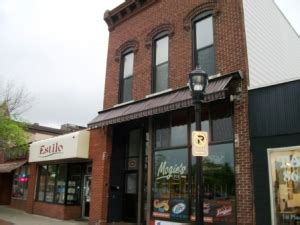 university area housing eau claire investment realty eau claire wi university housing 436 189 water st