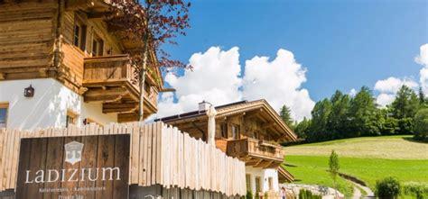 h ttendorf alpen top 15 atemberaubende chalets f 252 r sommerurlaub in der