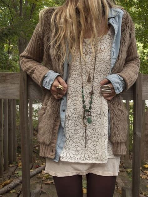 Style Ideas How To Wear The Layered Look And Not Look Larger Than Second City Style Fashion by Crochet Hippie Cape Sleeve Boho Winter Style Dresses
