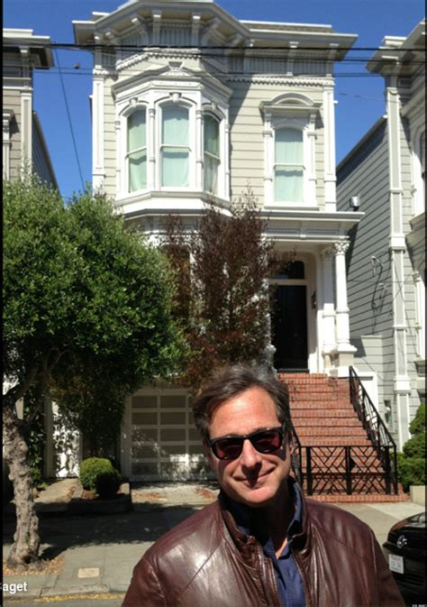 Full House Bob Saget Stops By San Francisco House Calls It Creepy Photo Huffpost