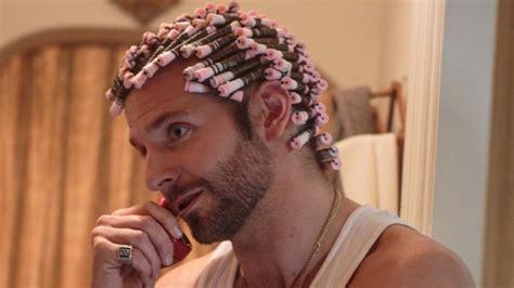 men with red fingernails and curlers in hair h 246 lle auf erden die kultkrause minipli kommt wieder