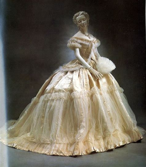 the house of worth the birth of haute couture books charles frederick worth il padre della haute couture