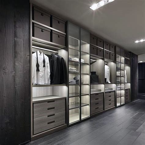 Modern Closet Ideas by Best 25 Walk In Closet Dimensions Ideas On