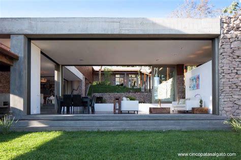 diseno de casa en desnivel  jardin arquitectura de casas