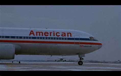 american in american airlines home alone 2 lost in new york 1992