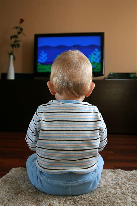 tv watching  linked  brain   kids