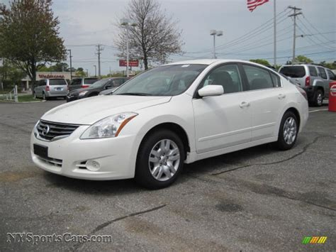 nissan altima white 2010 2010 nissan altima 2 5 s in winter white photo 3