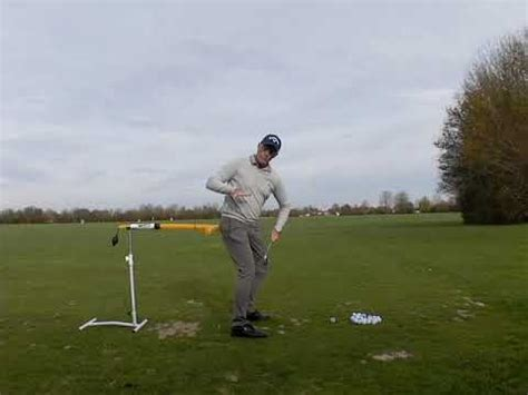 learning golf swing better learn and understand the hip turn in a golf swing
