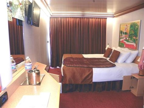 Carnival Cabin Reviews by Carnival Cruise Review For Cabin 7467