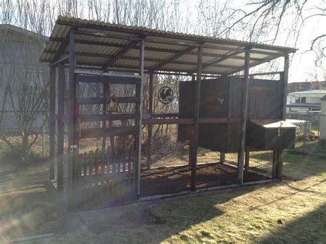 woodworking coop recycled wood coop backyard chickens community