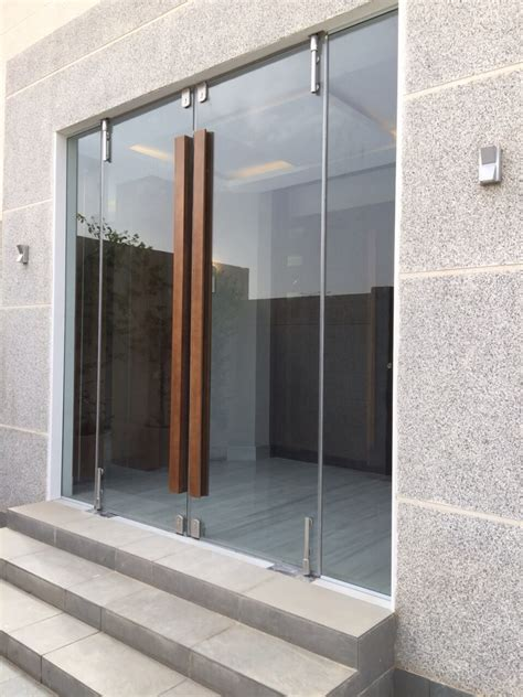 Glass Entrance Doors Glass Door With Wooden Handle Architecture Glass Doors Doors And Glass