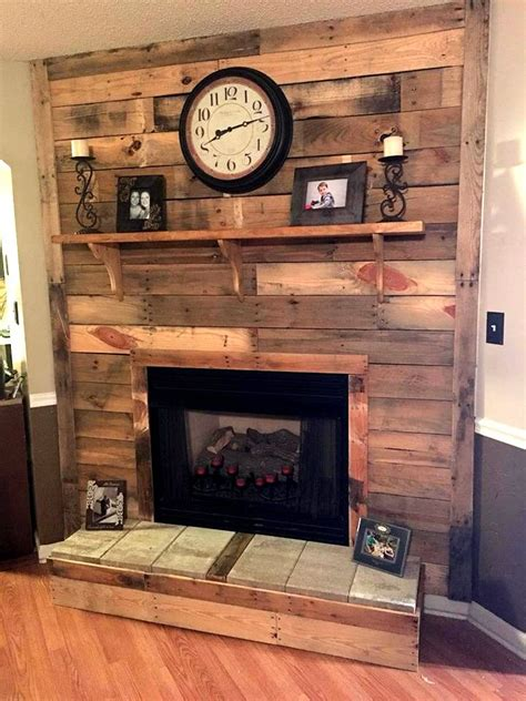 Pallet Wall Fireplace by Best 25 Pallet Fireplace Ideas On Pallet