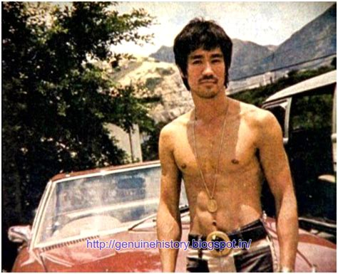 born bruce lee martial arts histoy rare stills from bruce lee albums