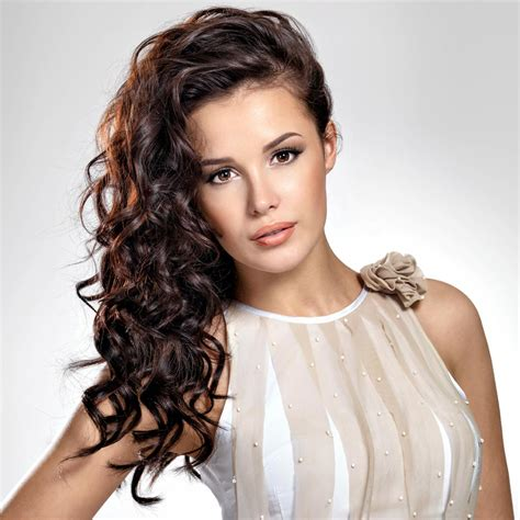 Locken Frisuren by Sch 246 Ne Lange Frisuren Mit Locken Bildergalerie