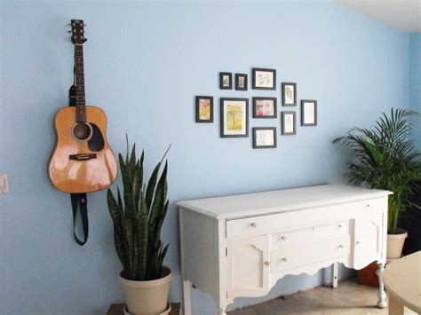 hang pictures 17 hanging pictures on wall ideas and how to hang pictures