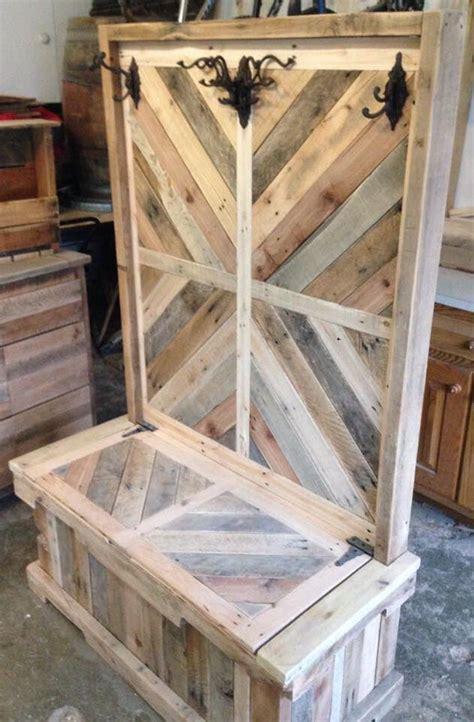 pallet wood entryway bench  hall tree diy en