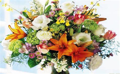 un bel mazzo di fiori davanti ad un bel mazzo di fiori frasi pi 249