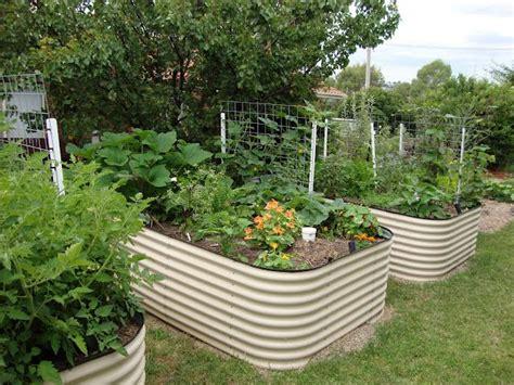 wicking self watering worm bin garden beds an all in