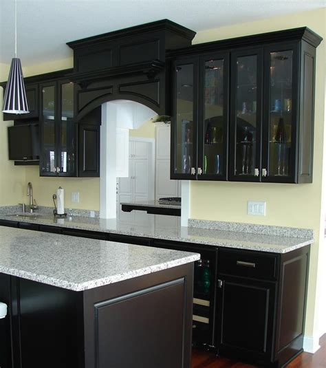 Best Backsplashes For Kitchens by 23 Beautiful Kitchen Designs With Black Cabinets Page 3 Of 5