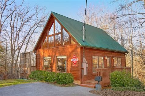 1 bedroom cabin in pigeon forge sky harbor resort