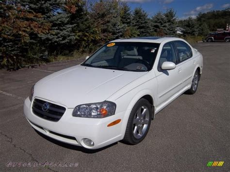 white nissan maxima 2003 2003 nissan maxima se in glacier white pearl photo 3