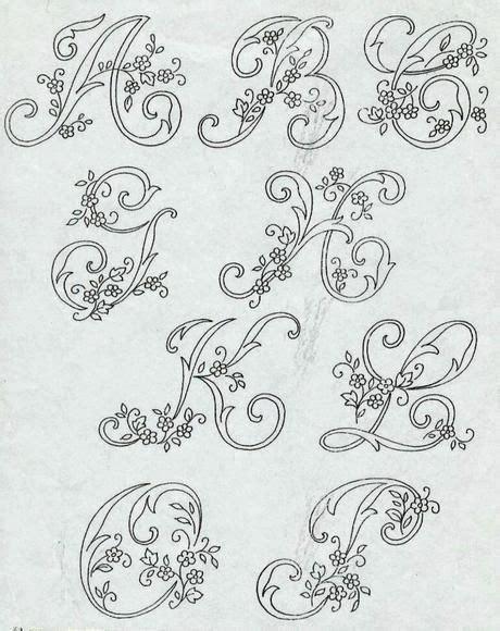 ricamo lettere alfabeto da ricamare con ricamo classico alfabeto