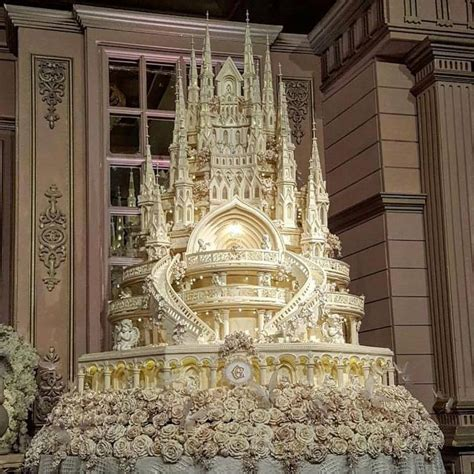 Wedding Album Expensive by World S Most Expensive Wedding Cake Photographed In