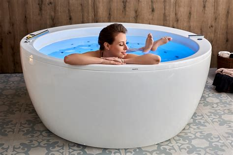 bathtub for couples aquatica pamela wht hydrorelax pro jetted bathtub us