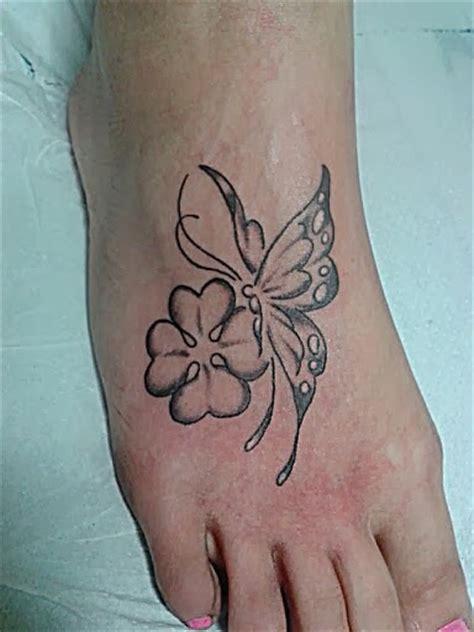 tatuaggi quadrifoglio con lettere tatuaggio quadrifoglio significato e immagini