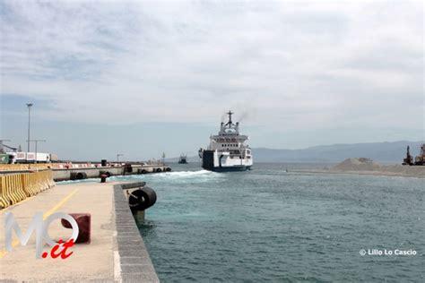 capitaneria porto messina chiude porto tremestieri capitaneria attende san luca