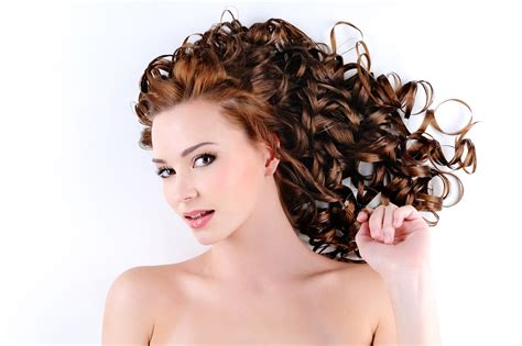 que haircut 30 best curly hairstyles for women