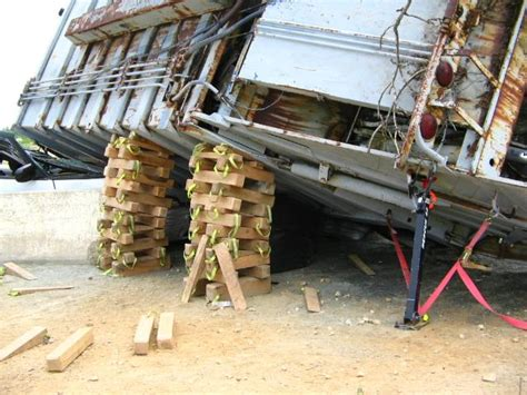 Auto Cribbing by 5th Annual Carroll County Heavy Vehicle Rescue Course