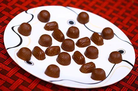 How To Make Handmade Chocolates - easy way to make chocolates all