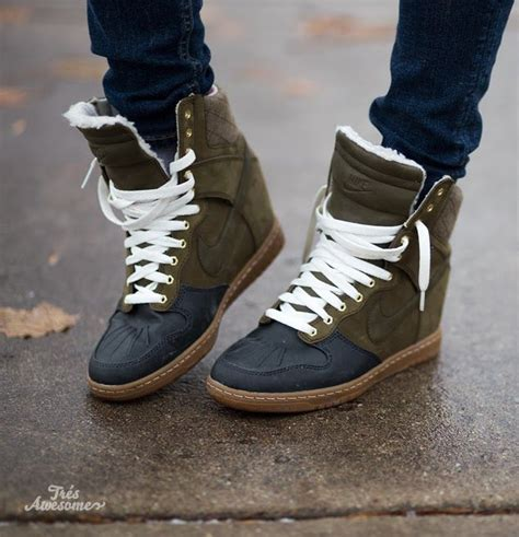 like the style but not the colors i need these nike sky hi sneakerboots nike shoes