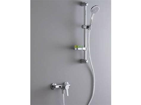 rubinetto doccia il miscelatore doccia pratico e funzionale bagno