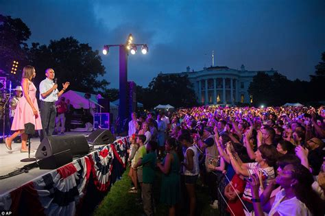 obamas lead independence day celebrations with bruno mars