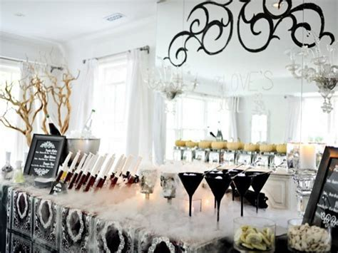 All White Cocktail Party Lantern Decorating Ideas, White And Gold Balloon Decoration Theme