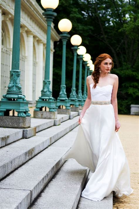 Handmade Wedding Dresses - beautiful handmade bridal gowns accessories