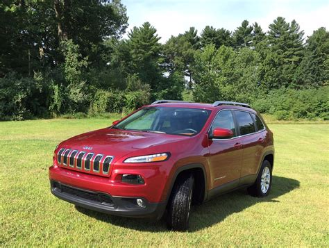 jeep crossover 2015 2015 jeep latitude offers road capability in