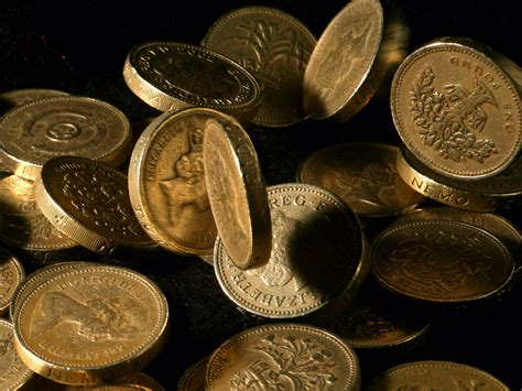 makes a s blood pound a theatre books royal mint produces last pound coin the