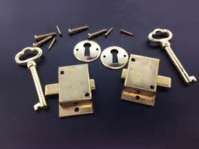 Curio Cabinet Lock And Key 2 Curio Cabinet Front Door Key And Lock Set Ebay